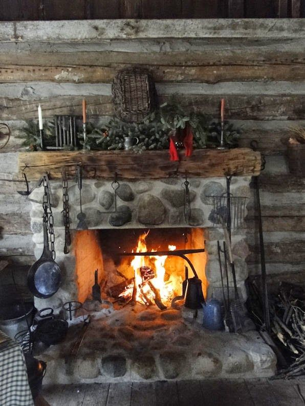 Cute rustic fireplace design ideas 28