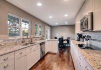 Easy grey and white kitchen backsplash ideas 22