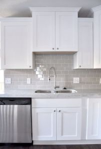 Easy grey and white kitchen backsplash ideas 37