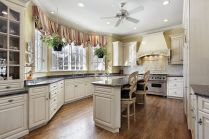 Elegant kitchen ideas with white cabinets 02