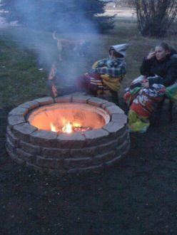 Fancy fire pit design ideas for your backyard home 13