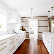 Gorgeous small kitchen makeovers on a budget 23