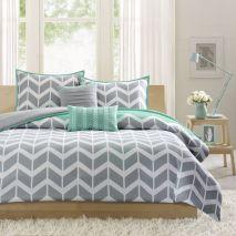 Impressive colorful bedroom ideas 27