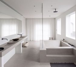 Lovely hotel bathroom design ideas that can be applied to your home 05