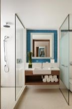 Lovely hotel bathroom design ideas that can be applied to your home 11