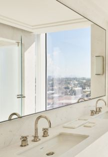 Lovely hotel bathroom design ideas that can be applied to your home 15