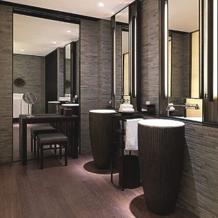 Lovely hotel bathroom design ideas that can be applied to your home 25