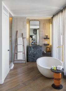 Lovely hotel bathroom design ideas that can be applied to your home 38