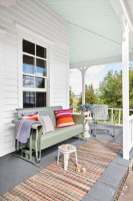 Amazing farmhouse porch decorating ideas 05