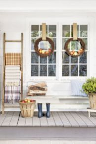 Amazing farmhouse porch decorating ideas 29