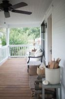 Amazing farmhouse porch decorating ideas 39