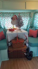 Antique diy camper interior remodel ideas you can try right now 09