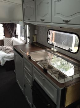 Antique diy camper interior remodel ideas you can try right now 34