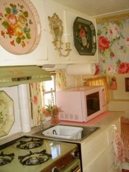 Antique diy camper interior remodel ideas you can try right now 36