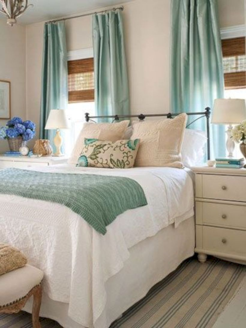 Comfy and cozy small bedroom ideas 09
