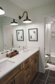 Cozy farmhouse bathroom makeover ideas 29