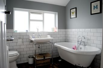 Creative diy bathroom makeover ideas 39