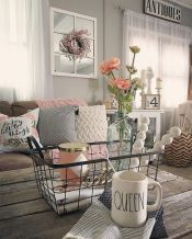 Fabulous farmhouse living room decor design ideas 12