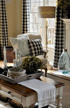 Fabulous farmhouse living room decor design ideas 26