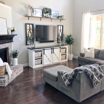 Fabulous farmhouse living room decor design ideas 38