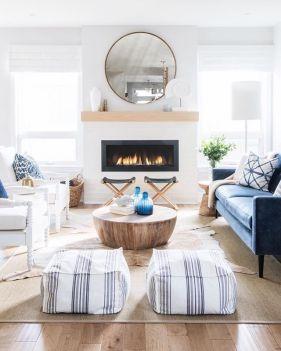 Fabulous farmhouse living room decor design ideas 39