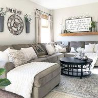 Fabulous farmhouse living room decor design ideas 42