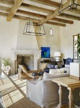 Fabulous farmhouse living room decor design ideas 43