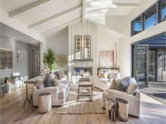 Gorgeous farmhouse living room decor design ideas 27