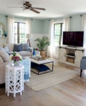 Gorgeous farmhouse living room decor design ideas 37