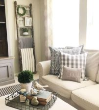 Gorgeous farmhouse living room decor design ideas 39