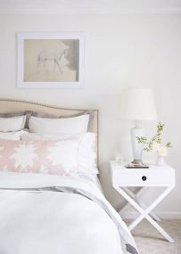 Gorgeous minimalist elegant white themed bedroom ideas 06