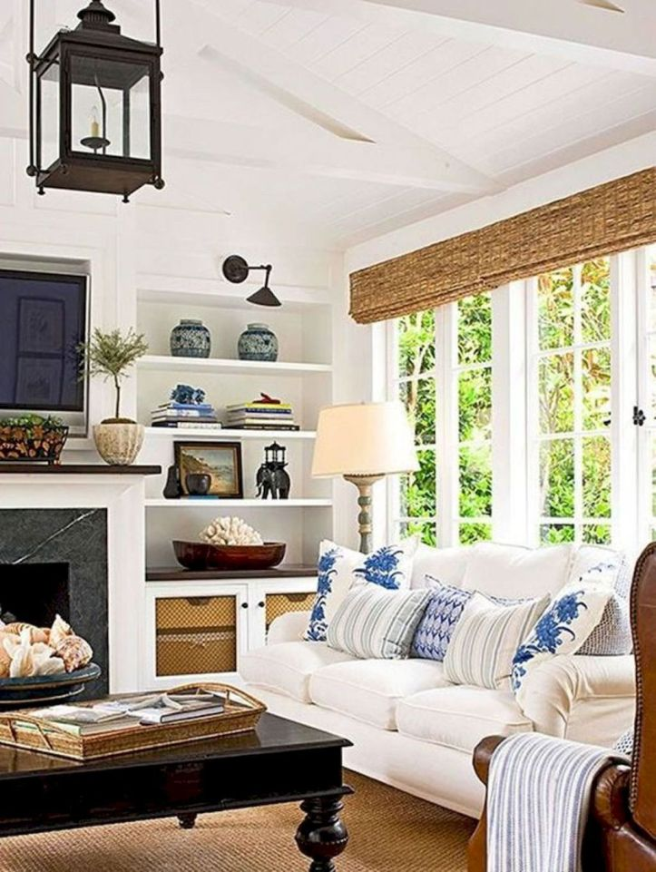 Lovely rustic coastal living room design ideas 07