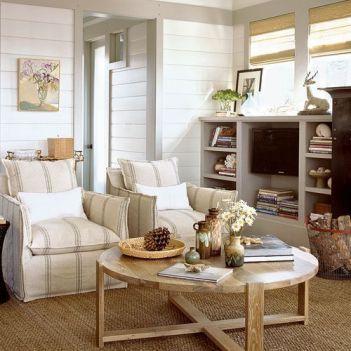 Lovely rustic coastal living room design ideas 12