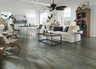 Lovely rustic coastal living room design ideas 29