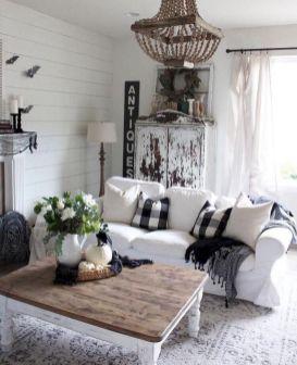 Lovely rustic coastal living room design ideas 47