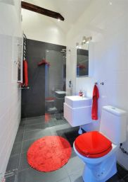 Most popular red black and white bathroom decor ideas 31