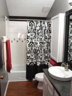 Most popular red black and white bathroom decor ideas 43