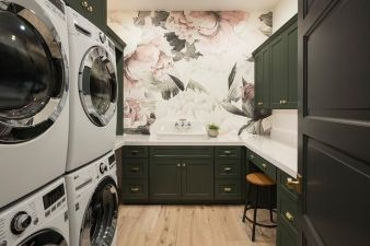 Outstanding black and white laundry room ideas 14
