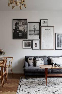 Stunning living room wall gallery design ideas 15