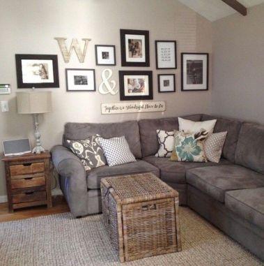 Stunning living room wall gallery design ideas 25