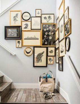 Stunning living room wall gallery design ideas 40