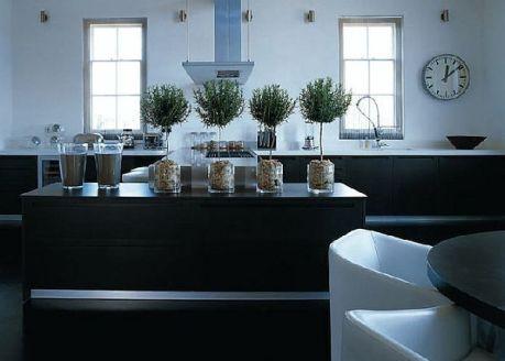 Amazing black kitchen design ideas 04