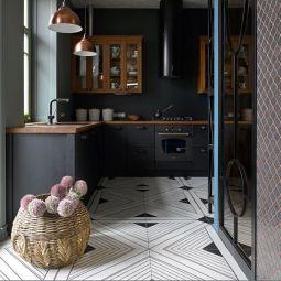 Amazing black kitchen design ideas 27