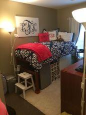 Beautiful dorm room organization ideas 19