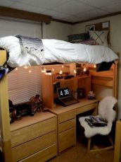 Beautiful dorm room organization ideas 22