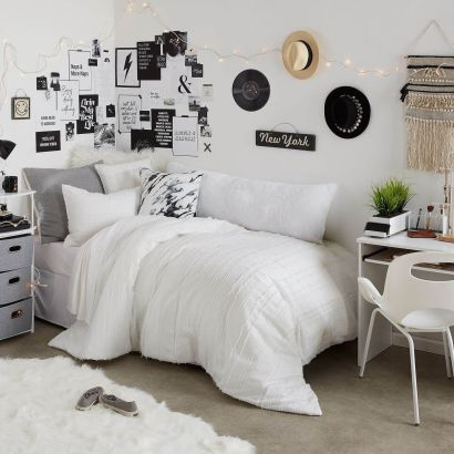 Beautiful dorm room organization ideas 24