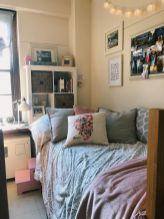 Beautiful dorm room organization ideas 26