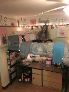 Beautiful dorm room organization ideas 28