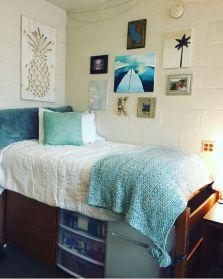Beautiful dorm room organization ideas 31