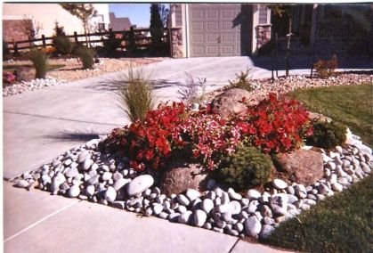 Great front yard rock garden ideas 01